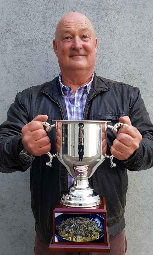 Large Little Wanganui White Baiters Ball Cup
