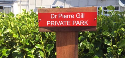 Doctor sign small